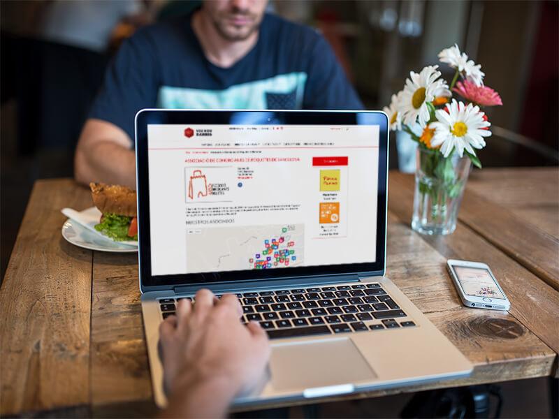 Neix el primer web del comerç associat de proximitat de Nou Barris